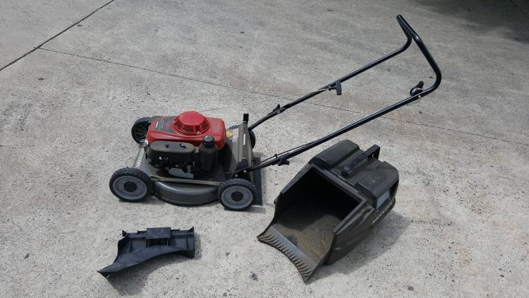 Hire Lawn Mower Honda Machine, 4-Stroke HRU196D